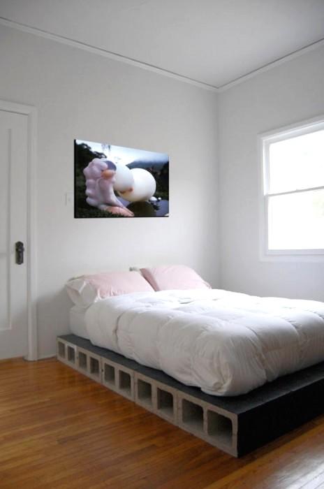 bed-464x700