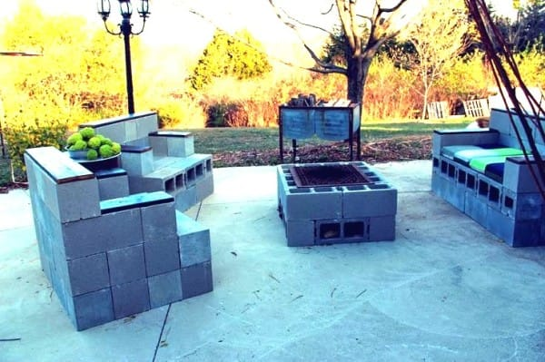 cinder-block-furniture-set-600x399