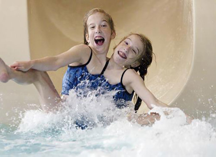 conjoined twins abigail and brittany hensel photos 22
