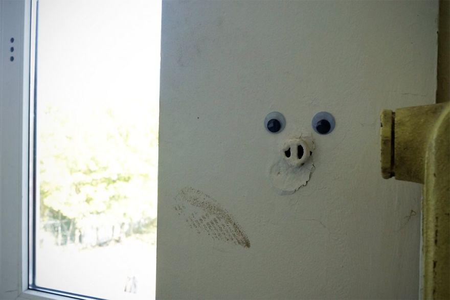 googly-eyebombing-street-art-bulgaria-106-592d2464358bd__880