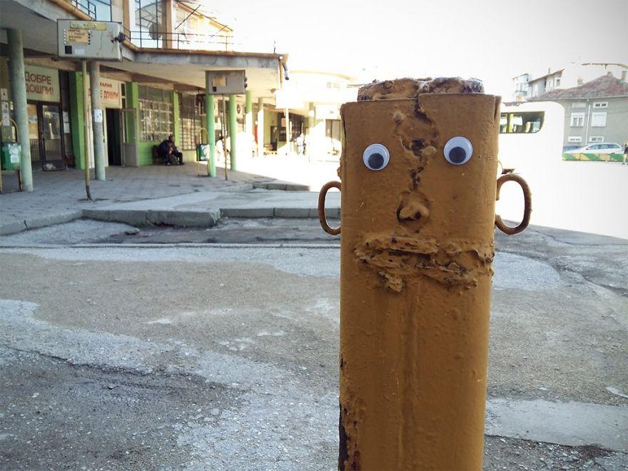 googly-eyebombing-street-art-bulgaria-22-592d2336ef327__880