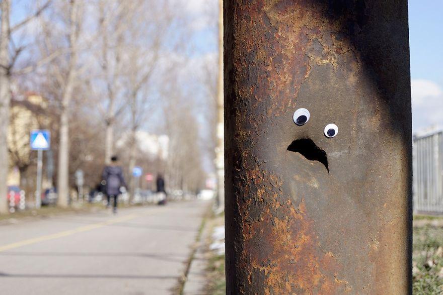 googly-eyebombing-street-art-bulgaria-23-592d2338b46ff__880