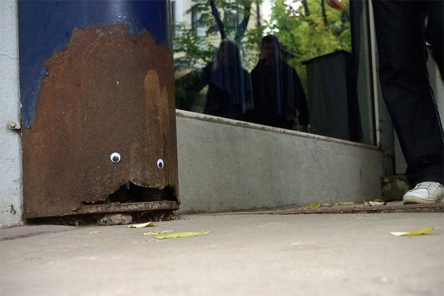 googly-eyebombing-street-art-bulgaria-53-592d23963eed4__880