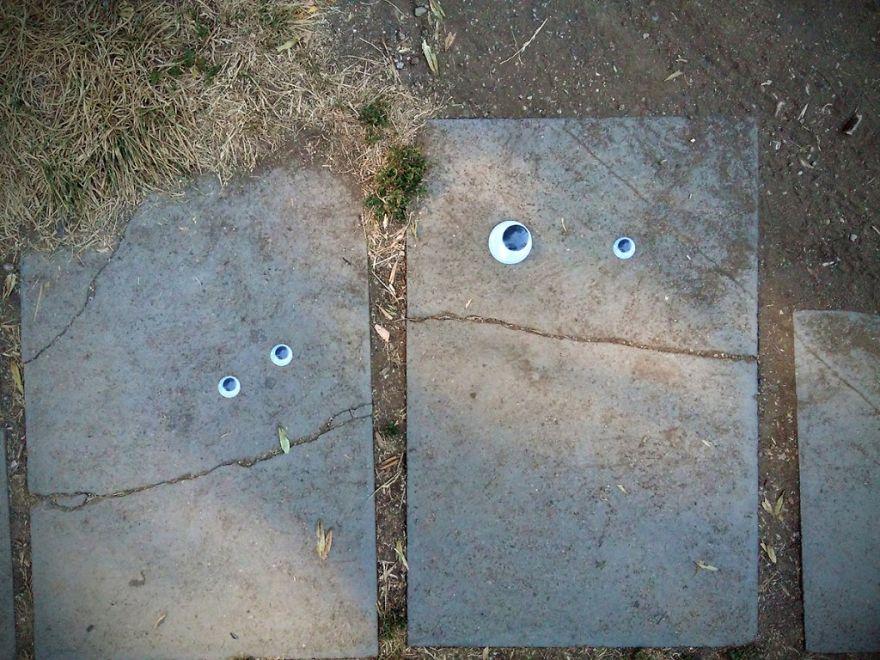 googly-eyebombing-street-art-bulgaria-56-592d239c8defa__880