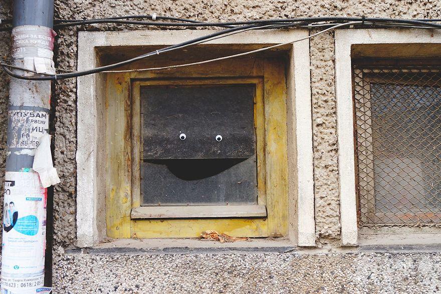 googly-eyebombing-street-art-bulgaria-64-592d23e6274cb__880