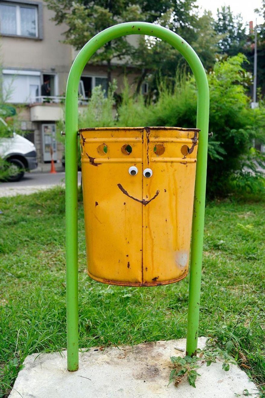 googly-eyebombing-street-art-bulgaria-68-592d23f1d984d__880